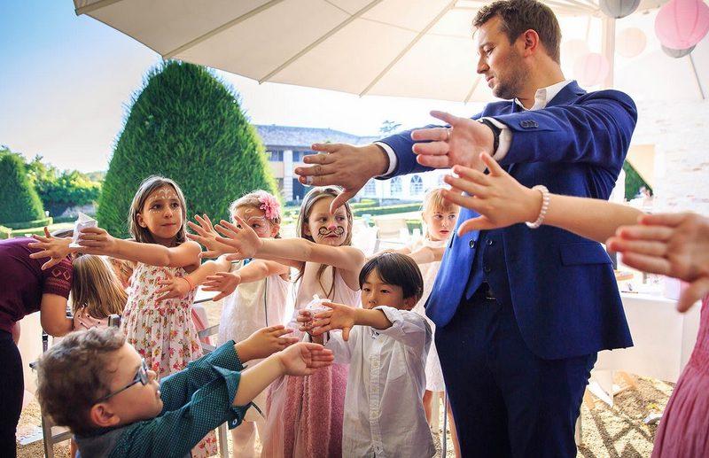 Magicien mentaliste pour un mariage en Bourgogne au château d'Igé