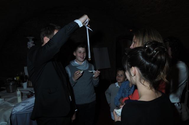Magicien close-up et mentalisme au Manoir de Jarnioux dans le Beaujolais