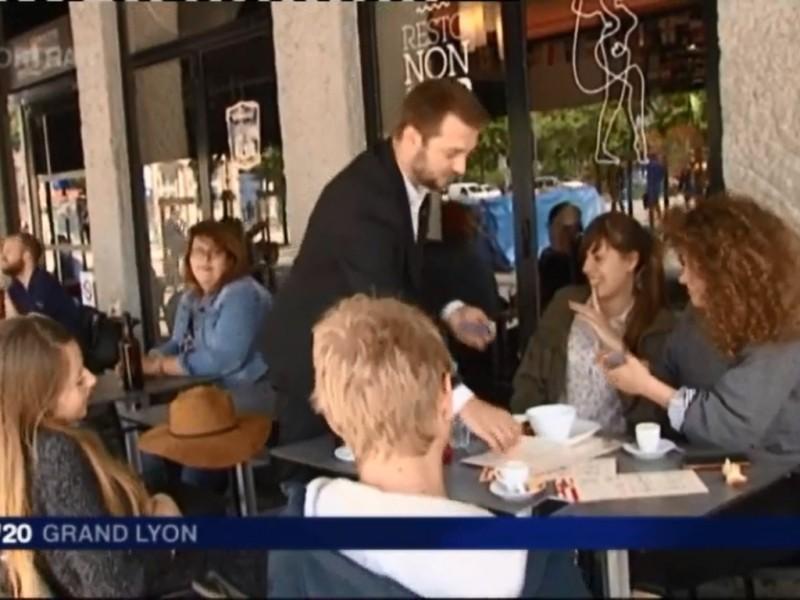 Magicien close-up et mentaliste à Lyon, Hervé Troccaz