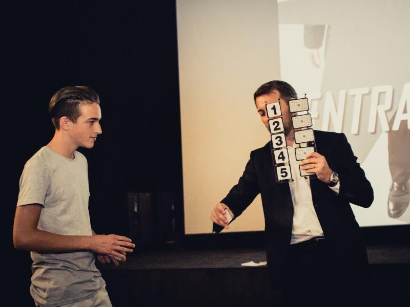 Magicien à Mâcon en Saône-et-Loire 71 au Cinémarivaux