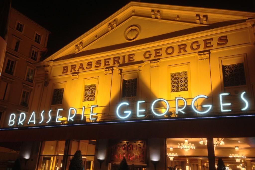 Magicien close-up à Lyon à la Brasserie Georges
