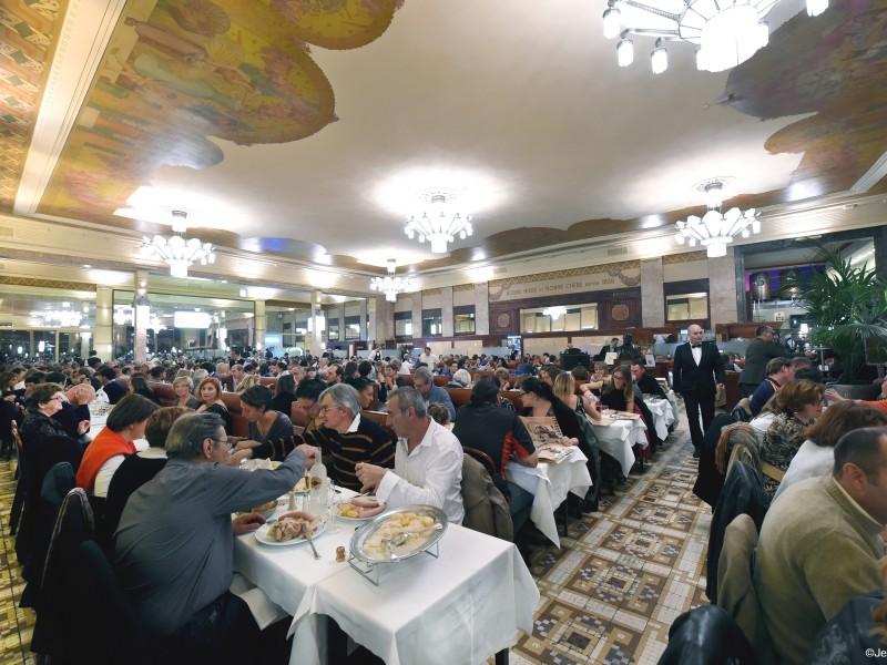 Brasserie Georges, la salle