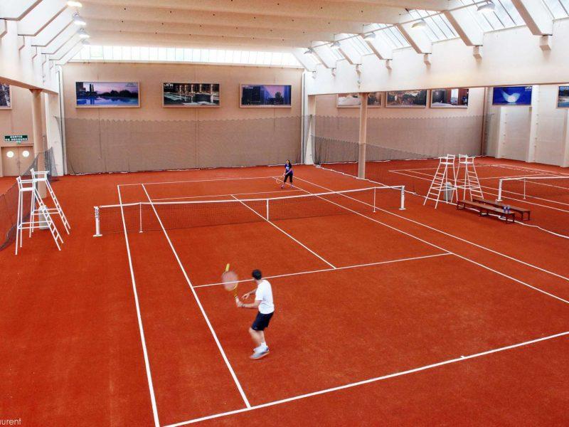 Hôtel Lyon Métropole : cours de tennis