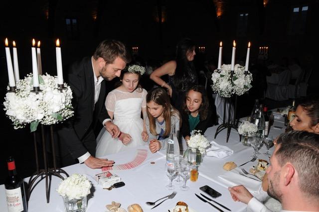 Magicien close-up à Paris pour les mariages