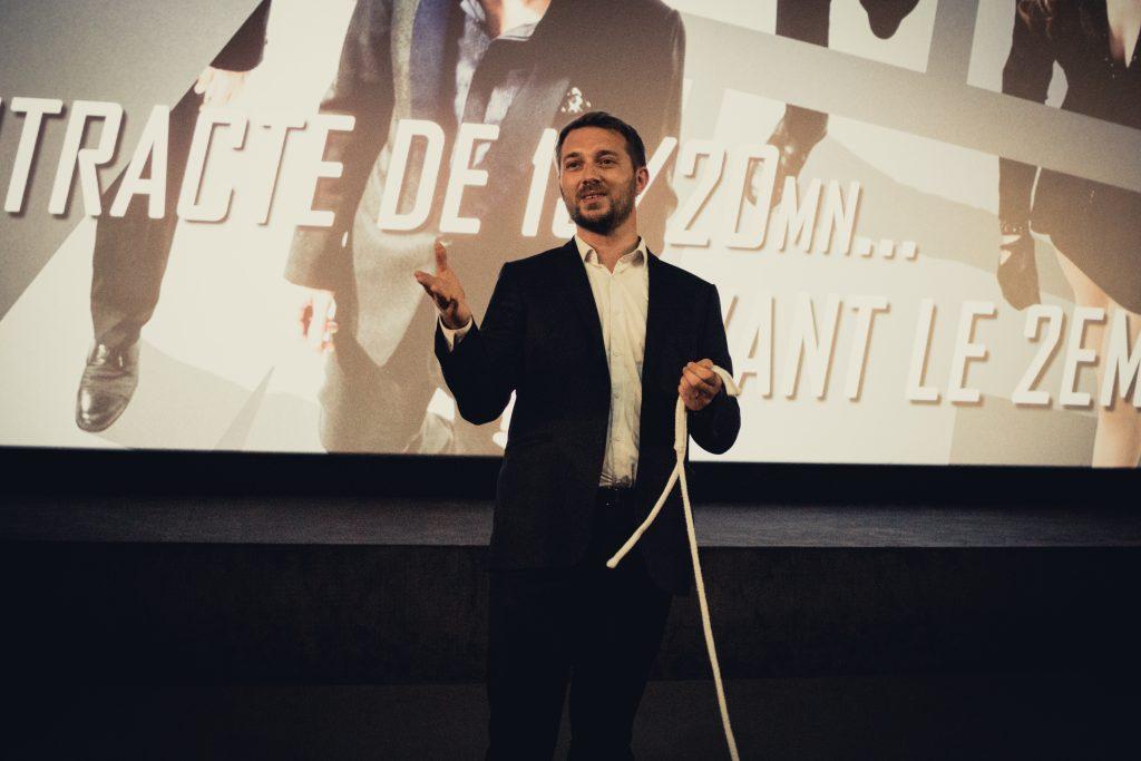Magicien mentaliste à Lyon pour les entreprises