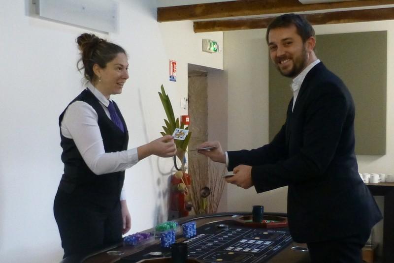 Magicien close-up à Lyon pour un Team Building pour la société KIABI