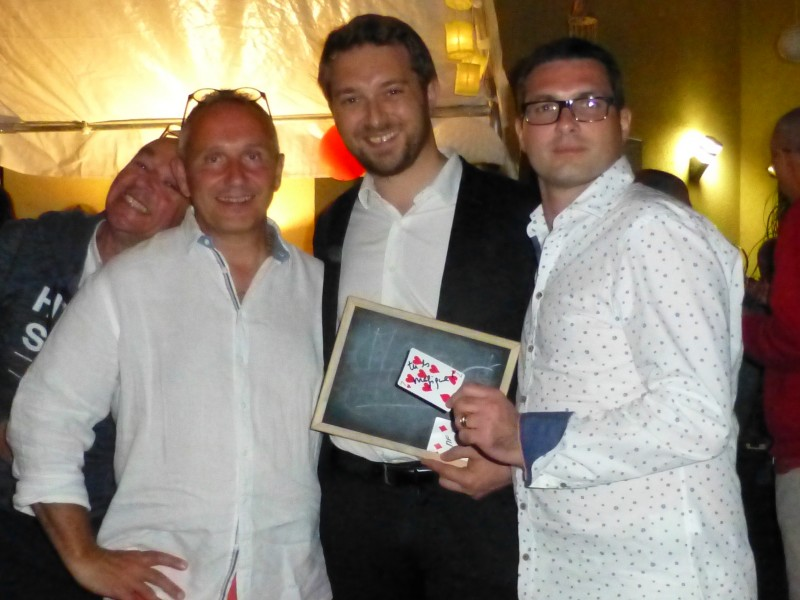 Magicien close-up à Lyon / Brignais / Taluyers pour un anniversaire