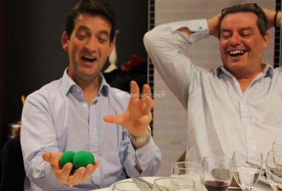 Magicien IPAD close-up et mentaliste à Annecy en Haute-Savoie 74