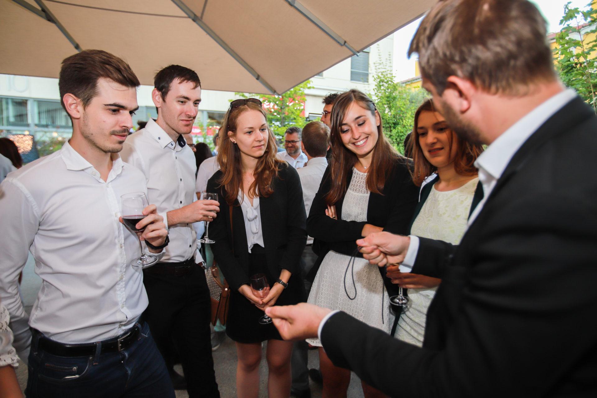Magicien mentaliste à Lyon pour une soirée d'entreprise au Victoria Hall