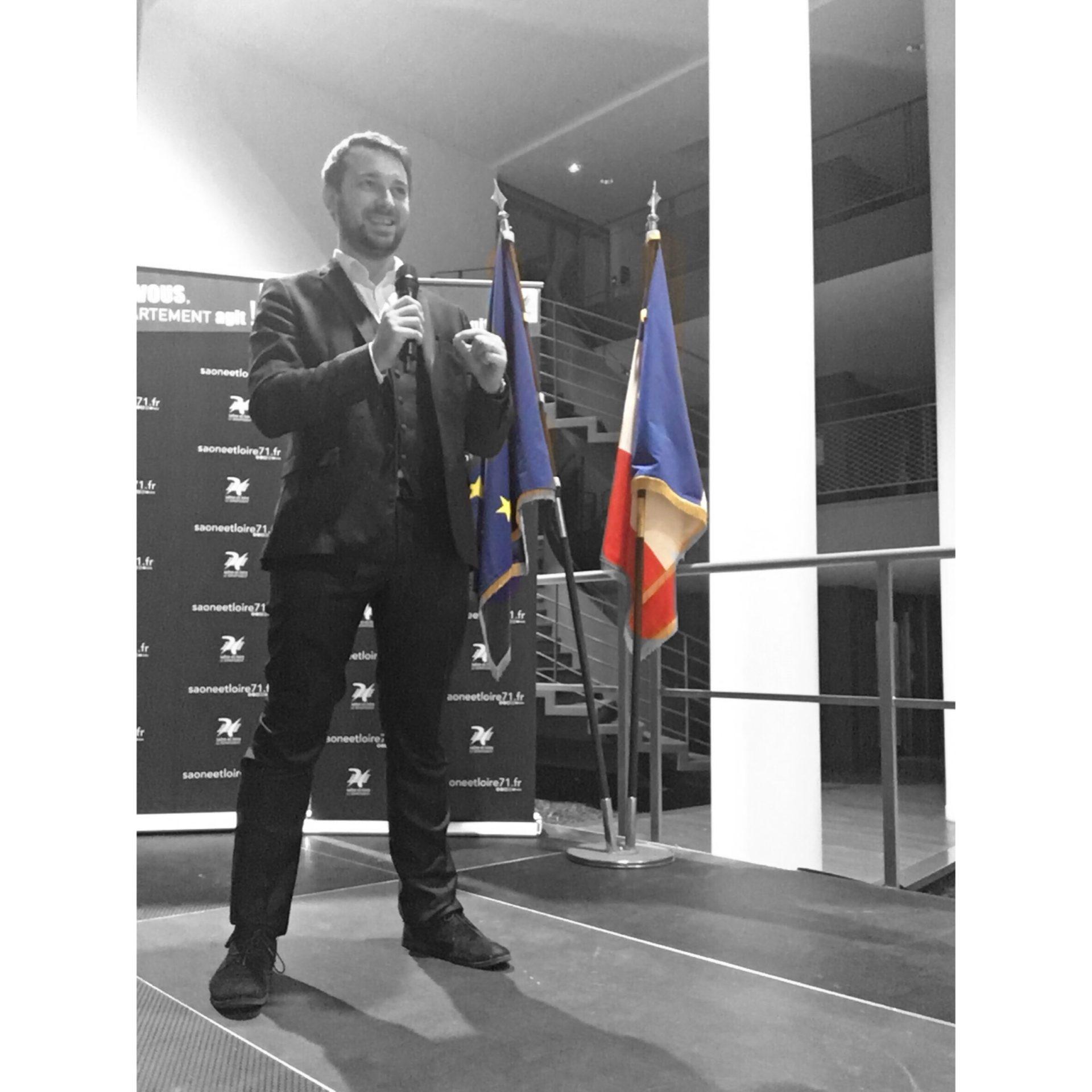 Speaker conférencier magicien pour le département de Saône-et-Loire, cérémonie des voeux