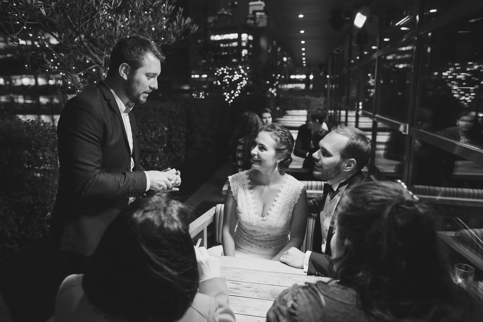 Magicien close-up mariage